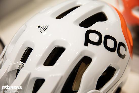 Das Symbol auf der Oberseite zeigt es an: Dieser POC Tectal-Helm ist mit einem NFC-Chip ausgestattet