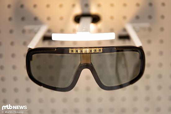Die POC Aspire Solar Switch-Brille soll dank eines dünnen flüssigen Kristallfilms deutlich schneller abdunkeln als eine photocromatische Brille