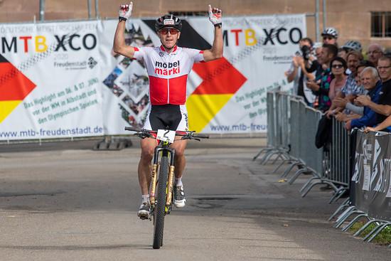 Mathias Stirnemann konnte sich konnte sich auf den letzten Metern von Ben Zwiehoff absetzen und feierte schließlich den Sieg in Freudenstadt