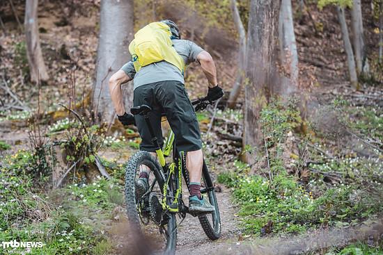 ... niedriges Gewicht und ausgewogene Geometrie helfen beim Klettern.