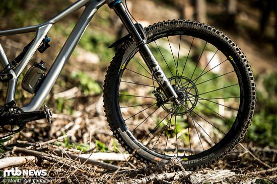 """Der Mavic Deemax Elite-Laufradsatz ist sowohl in 27,5"""" als auch in 29"""" erhältlich und soll sich vor allem an Enduro- und Trailbiker richten"""