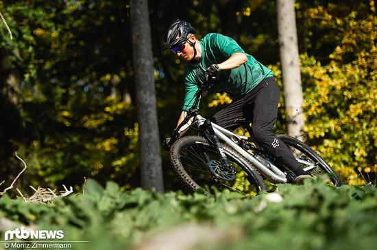 Der Mavic Deemax Elite-Laufradsatz kann mit einem guten Mix aus Steifigkeit und Flex überzeugen