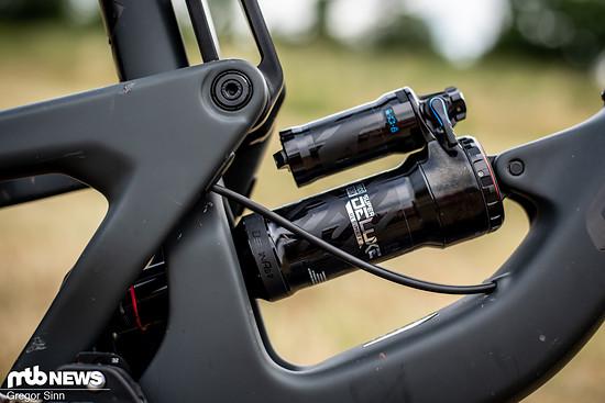 Die 160 mm VPP-Federweg am Heck kontrolliert ein RockShox Super Deluxe Ultimate-Dämpfer