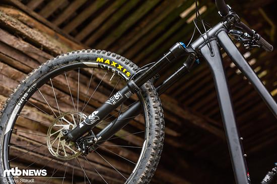 Fette 31 mm Maulweite bietet der Düroc 35 Laufradsatz von SunRinglé