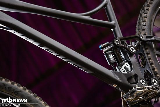 Banshee setzt weiterhin auf einen Alu-Rahmen mit aufwändig hydrogeformten Rohren