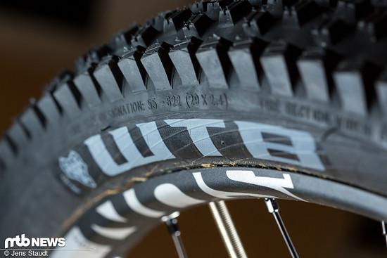 """55 mm breit soll der 2,4""""-Reifen ausfallen."""