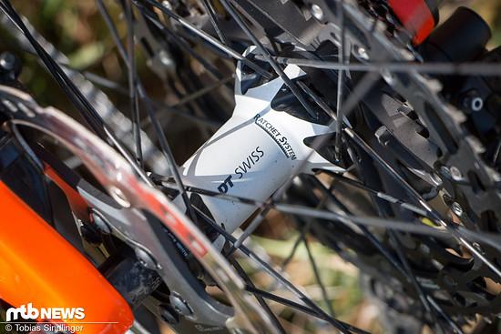 Laufräder und Naben stammen von DT Swiss.