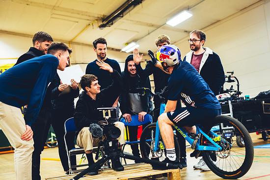 """Gelungenes Video: Im November drehten Danny und seine Crew das Video zu """"Gymnasium"""" ab."""