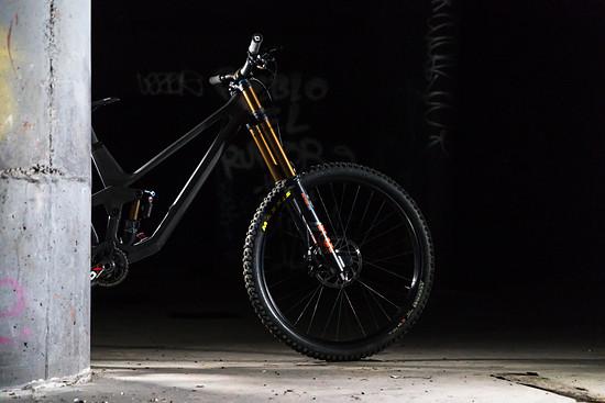 Das erste Bike von Prime wird wohl ein High-End-Downhill-Bike, das den Platzhirschen auf dem Markt um nichts nachstehen soll