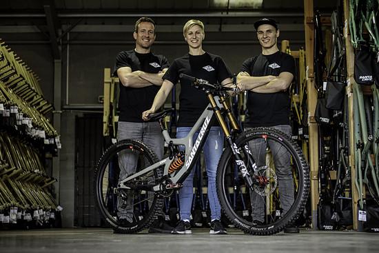 Sven Heitmann (links) und Erik Fickelscheer (rechts) werden Nina in der kommenden Saison tatkräftig unterstützen.