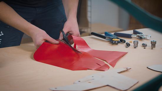 Durch den neuen Vaude Upcycling-Store sollen Verschnitt-Stücke aus der Textil-Produktion einem neuen sinnvollen Zweck zugeführt werden.