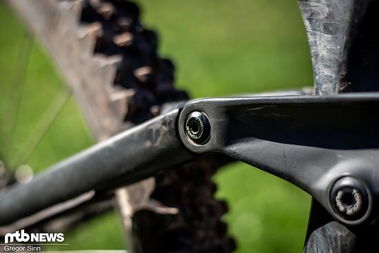 Vollgefederte Bikes haben eine Menge Lager im Rahmen