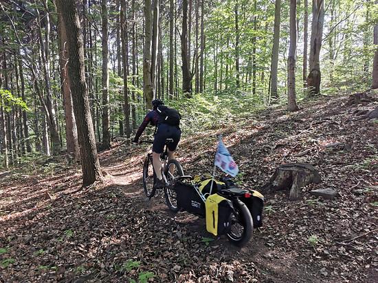 Erste Abfahrt im Trailpark Telnické MTB stezky