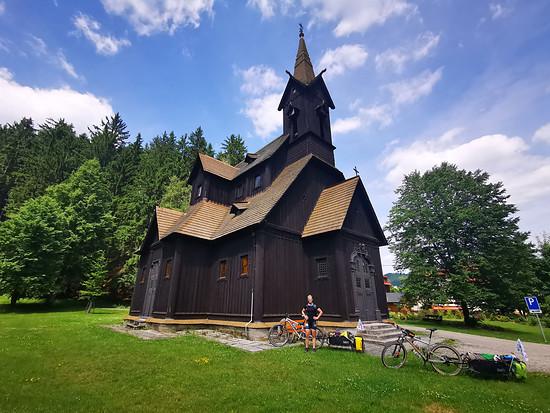 Holzkirche bei Bila