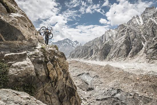 Die massiven Gletscher haben das Gebirge geformt
