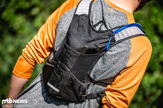 Die Camelbak Chase Bikes Vest ist eine echte Alternative zu Hipbag und Co.