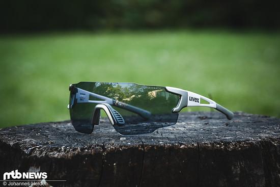 Die Uvex Sportstyle 804 bietet ein photochromatisches Glas und eine schnittige Optik