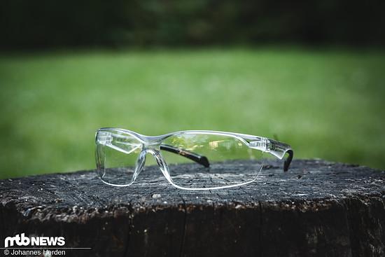 Die Rockrider MTB Sportbrille ST 100 kostet sagenhaft günstige 5 € und ist die günstigste Brille im Decathlon-Portfolio.