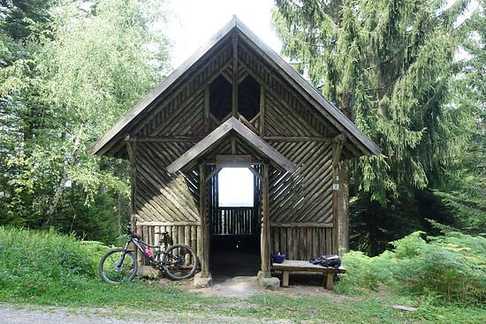 Hütte mit Durchblick