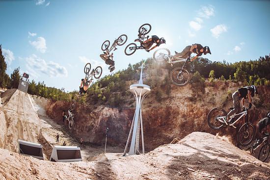Cordova Backflip: Nico Scholze vollzieht den Trick ab jetzt auch auf dem Downhillbike!