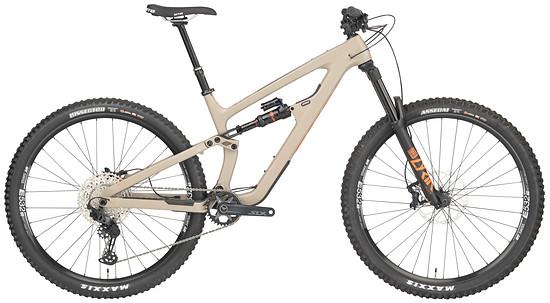 Die SLX-Version kombiniert den Carbon-Rahmen mit günstigeren Anbauteilen.