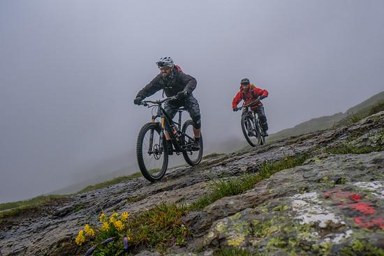Trotz gefühltem Dauerregen hatten die Felsplatten guten Halt.