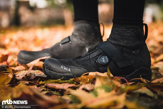 Wasserdichte Schuhe können im Herbst und Winter einen riesigen Unterschied machen