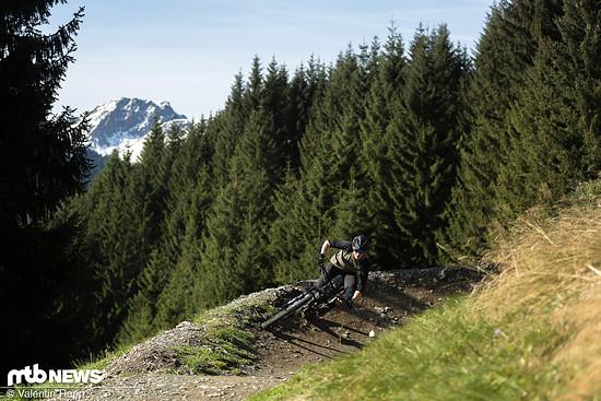 Auch bergab begeistert das Trailbike mit seinem agilen und poppigen Fahrverhalten und sorgt so für jede Menge Fahrspaß.
