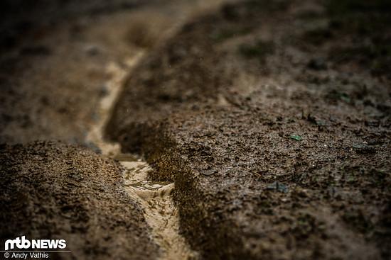 Solange das Wasser die Strecke herunter fließt, drohen wenigstens nicht so klebrige Bedingungen wie in Leogang!