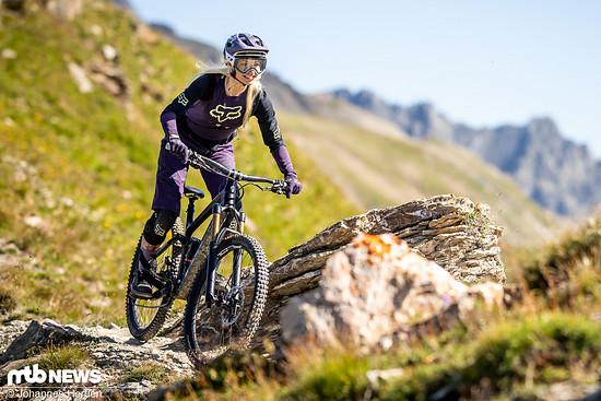 Judy hat auf den alpinen Trails sichtlich ihren Spaß.
