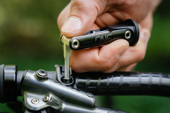 OneUp-Components-EDC-Lite-Multi-Tool-In-Use