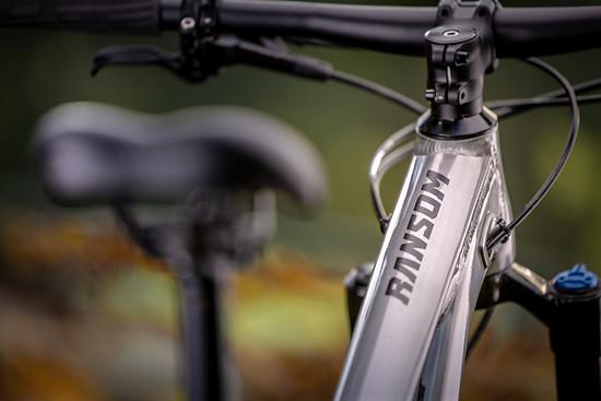 SCOTT Sports Bike 2021 Ransom 600 400 Campaign by Daniel Geiger Scott Lois 10-2020 DGR52812