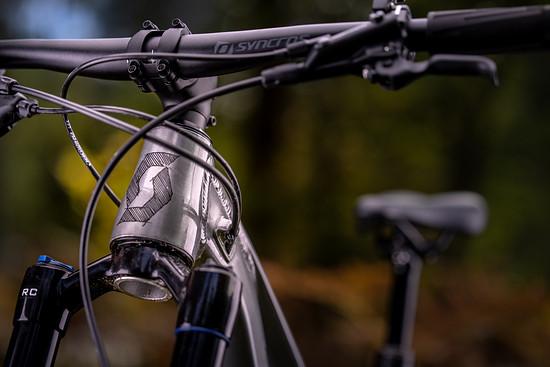 SCOTT Sports Bike 2021 Ransom 600 400 Campaign by Daniel Geiger Scott Lois 10-2020 DGR52881