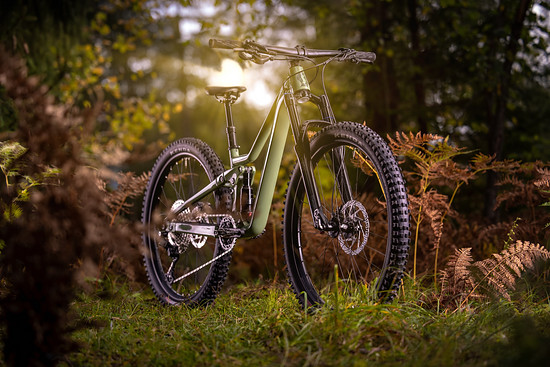Dank der ausgewogenen Geometrie und der Möglichkeit, die Laufradgröße zu wechseln, sollen Kinder mit dem Rad lange Spaß haben können.
