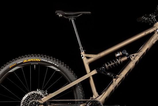 Die BikeYoke Revive 2.0 213 ist die längste derzeit erhältliche Vario-Sattelstütze und überzeugt mit einer sehr guten Funktion