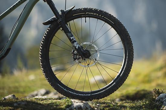Seit einiger Zeit bieten die Italiener von Pirelli auch Mountainbike-Reifen an