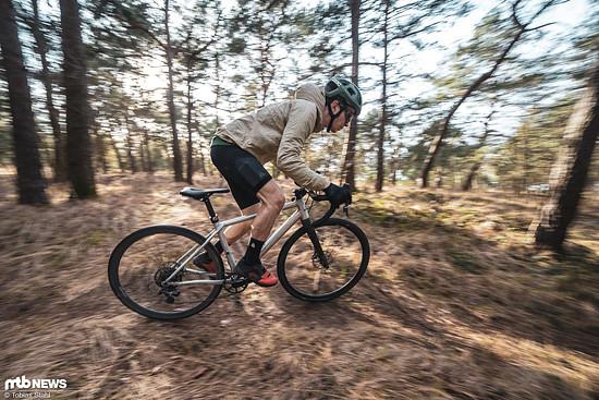 Der Effekt der Sattelstütze ist ähnlich wie am Mountainbike