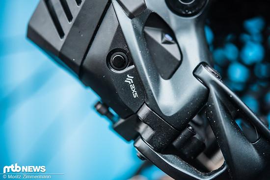 Durch langes Drücken des AXS-Knopfs wird das Schaltwerk in den Koppel-Modus versetzt.