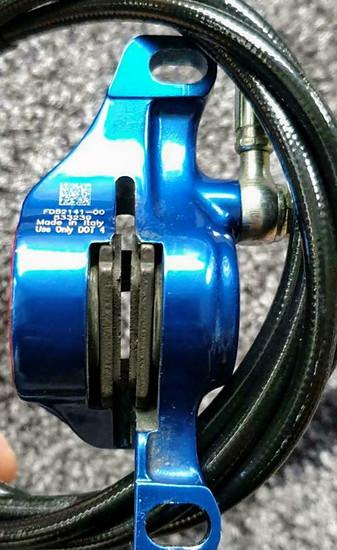 FD52141-00  Formula R1   blue / red