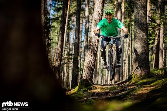Auf unseren naturbelassenen, technischen Teststrecken im Thüringer Wald war das Giant Trance X 29 der optimale Begleiter