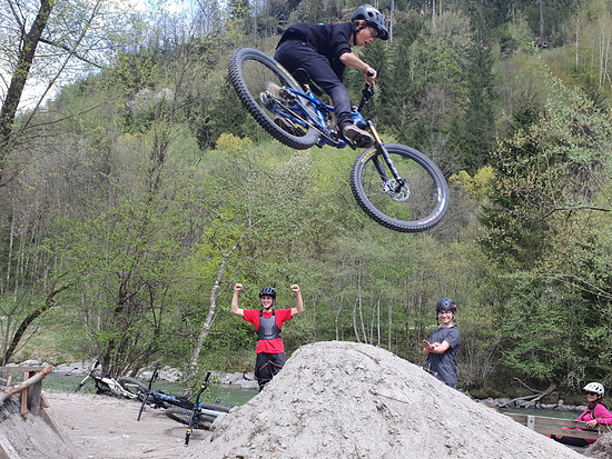 Shovel and shred, buddeln und biken