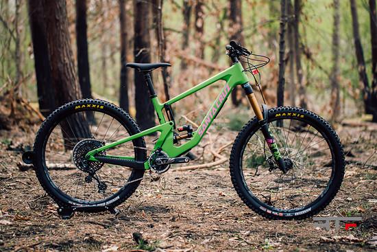 Nomad V5 Adder Green XO1
