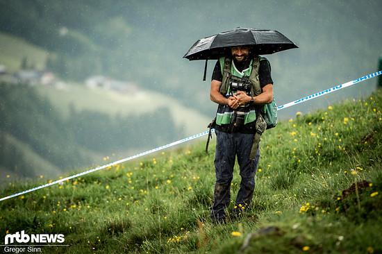 Viele sonnige Stunden wurden immer wieder von heftigen Regenschauern unterbrochen.