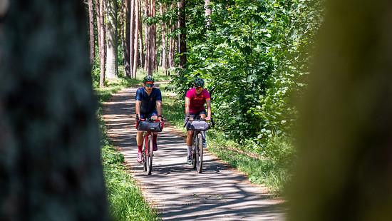 Von Hamburg aus ging es für Steffi und Tobi durch das schöne Elb- und Havelland. Meist auf hervorragend ausgebauten Radwegen oder malerischen Seitenstraßen.