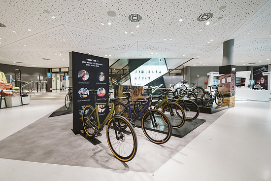 Ab sofort können Rose Bikes in sieben weiteren Shops in Deutschland gekauft und getestet werden.