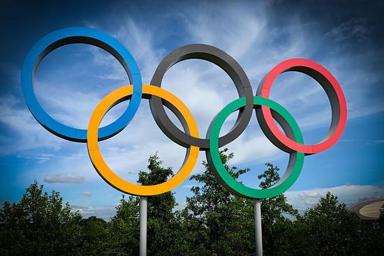 Alle vier Jahre geht es für die besten Mountainbikerinnen und Mountainbiker unter die olympischen Ringe