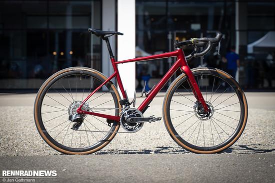 Fara Cycling brachte das F/AR Allroad-Rennrad mit