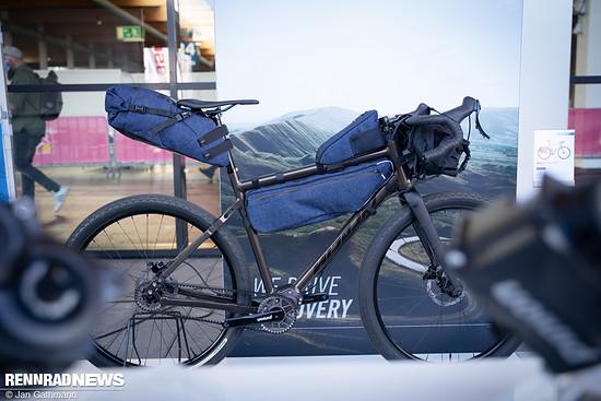 Gravel Bike mit Pinion C 1.9 Getriebe mit 9 Gängen und konstant 24 %-Gangsprüngen