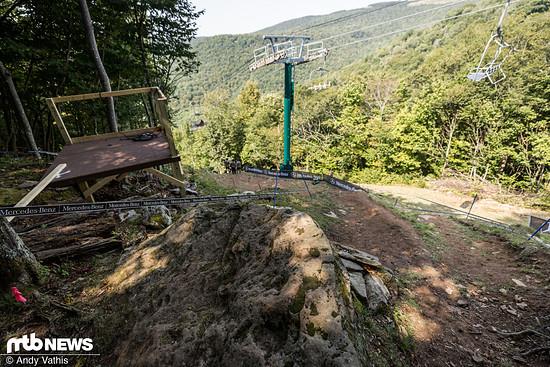 Nach diesem aus 2019 bekannten Steindrop folgt das wohl steilste Stück der insgesamt eher flachen Strecke.